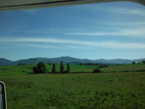 The beautiful scenery on the way to Kettle Falls